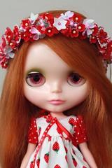 Strawberries & Cream (Duchess Ravenwaves) Tags: red flower vintage doll strawberries retro plastic crown kenner blythe 1972 sidepart wingsinflight duchessdarling72