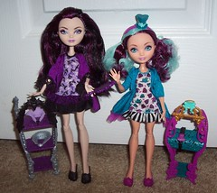 Raven and Maddie 1 (Veni Vidi Dolli) Tags: dolls mattel maddiehatter ravenqueen everafterhigh gettingfairest