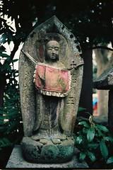 Shinnyo-do Temple, Kyoto (fabiolug) Tags: leica sculpture film nature statue japan 35mm temple japanese moss kyoto asia kodak rangefinder summicron m6 leicam6 ektar filmphotography shinnyodo leica35mm leicam6ttl 35mmsummicronasph kodakektar leicasummicron summicron35mmf2asph kodakektar100 ektar100 35mmf2summicronasph shinnyodotemple summicronm35mmf2asph leicam6ttl072 believeinfilm