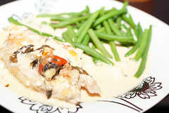 Chicken gratin with haricots verts (Xerethra) Tags: food chicken dinner 35mm nikon sb600 january mat speedlight januari middag 2014 haricotsverts nikon35mm speedlightsb600 d80 nikond80 lchf