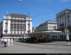 Paradeplatz, Zurich, Switzerland (JH_1982) Tags: schweiz switzerland suisse suiza zurich suíça zurique zürich helvetia svizzera züri 瑞士 zwitserland zurigo paradeplatz svizra 스위스 苏黎世 szwajcaria スイス チューリッヒ turitg zurych schweizerische eidgenossenschaft zúrich швейцария 취리히 цюрих ज़्यूरिख़ स्विट्ज़रलैण्ड