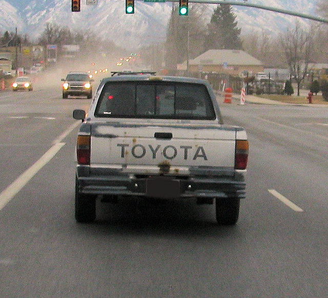 dusty japan truck japanese rust gray rusty pickup pickuptruck rusted toyota tailgate primer dust 1990s jalopy beatup junker beater 2wd minitruck madeinjapan primergray eyellgeteven