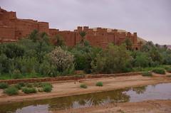 & (Ait-Ben-Haddou Qasba) (guido camici) Tags: pentax ngc sigma morocco berber maroc marocco maghreb casbah imazighen nationalgeographic berbers kasbah magreb qasba kasba aitbenhaddou kingdomofmorocco berberi amazigh sigmalenses sigma1770mmf2845dcmacro moroccanstyle berberpeople aitbenhaddoukasbah pentaxsmcpfa80320f4556  southmorocco pentaxsmcda50135mmf28edifsdm moroccotravelphotos guidocamici africaoccidentale stilemarocchino moroccanstylelife moroccotripphotos maroccofotodiviaggio maroccofotografiediviaggio fotodiviaggioinmarocco maroccodelsud pentaxk5d aitbenhaddouqasbah athenhadu
