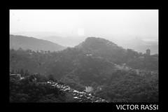 Vista do Mirante (victorrassicece 3 millions views) Tags: cidade brasil riodejaneiro canon américa natureza paisagem urbano pretoebranco panorâmica américadosul 2014 paisagemurbana 20x30 rebelxti canoneosdigitalrebelxti cidadebrasileira canonefs1855mmf3556is vistadomirante riodejaneirodoalto
