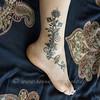 ankle painted with khidab, the yemenite gall ink (olga_rashida) Tags: hennakunst hennamuster hennamotiv khidab naksh mehndi hennatattoo berlin httpwwwhennaundmehrde bodypainting bodyart körperbemalung kunstamkörper peinturecorporelle hennadesign tatouageauhenné mehndidesign hennamalerei hennabemalung art kunst tatuaggio lacca bemalungmitkhidab نقوش حنة mehandi mehendi fus foot pied painting hennatattoozubehörberlin