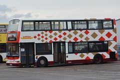572 (Callum's Buses & Stuff) Tags: trident lothianbuses lothian edinburgh dennis edinburghbus buses bus plaxton plaxtonlothian dennins denis dennislothianbuses denninslothian dennistrident lothianedinburghedinburgh lothianbus london harliquins harliquin