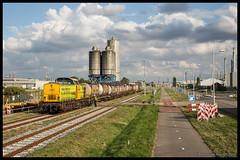 RRF 18+Bertschi-trein te Botlek (MyronvRuijven) Tags: rrf rail feeding rotterdam botlek rtd haven theemsweg huntsman bediening raccordement terminal tanktainer rangeren