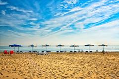 Waiting for beachers. Esperando a los baistas. (Alejandro Gonzlez i Mas) Tags: beach playa urbanova alicante alacant mediterrneo sea
