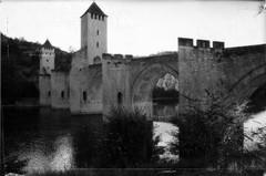 Le pont Valentr  Cahors (al253) Tags: pont bridge cahors pentax justpentax bw monochrome nb noiretblanc