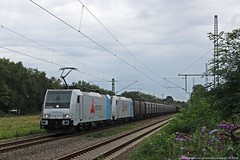 "Transpetrol 186 145 ""Retrack""+Transpetrol 185 676 ""Retrack"" am 20.09.2015 mit einem Aluzug in Herten-Westerholt (Eisenbahner101) Tags: eisenbahnr101 traxx traxxbombardier bombardier br186 br185 transpetrol bräunert retrack railpool hob aluzug deutschland freghttrain train germay herten hertenwesterholt westerholt eisenbahner101"