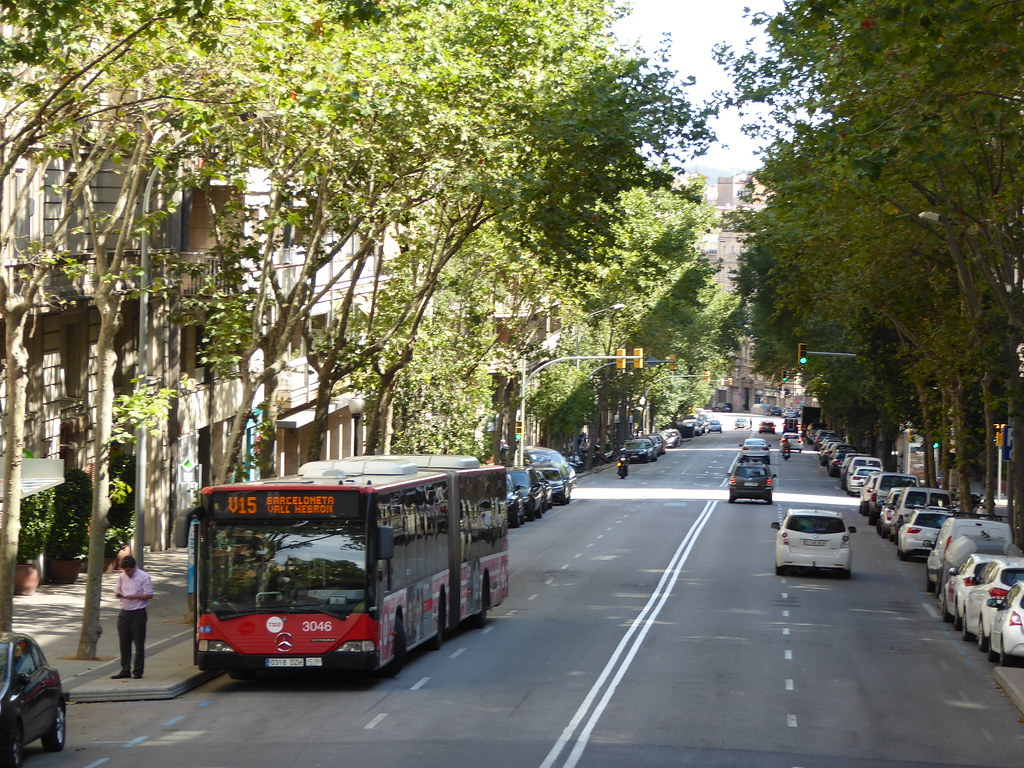 The world 39 s best photos of barcelona and buses flickr - Placa kennedy barcelona ...