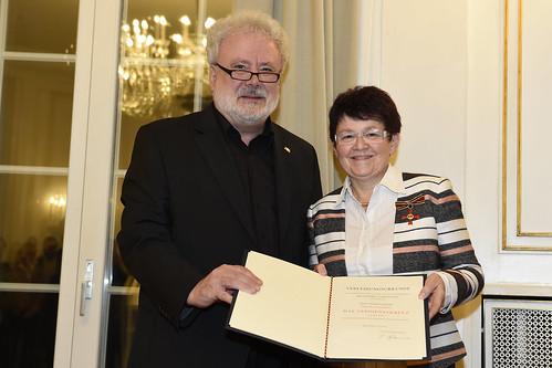Verdienstkreuz am Bande für Margot Kuon