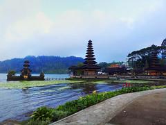 Danau Baeratan Bali (Jeffri Jaffar) Tags: bali canon indonesia balinese canonlens hyperportrait hyperlandscape