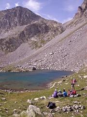Por el Collado Letrero hay que pasar (ivan-hache) Tags: trekking huesca mountaineering pirineos colladoletrero ibondebramatuero