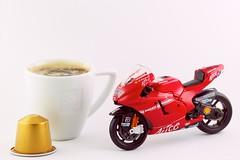 Coffee Break (Nicolas Masson Photography ) Tags: red white caf rouge shot mini pack ducati blanc 999 nesspresso