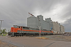 Max North Dakota (Trevor Sokolan) Tags: usa max america gm elevator grain rail railway trains canadian northdakota railfan emd gmd railfanning shortline cowl dmvw sd50f