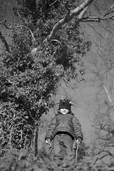 Der kleine Hobbit im Düsterwald (markus.huck) Tags: hobbit lichtenberg auenland düsterwald leicammonochrom l1015334kopie2048jpg