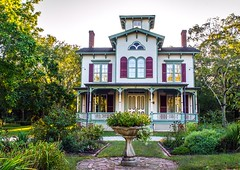 ROBERT HEWLETT HAWKINS HOUSE (daydreammmer) Tags: ny newyork li nikon longisland historic oldhouses nationallandmarks