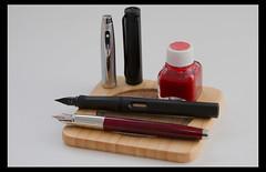 red black fountain pen ink fine safari 100 pens lamy shaeffer extrafine