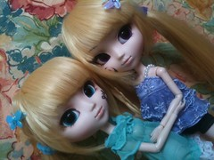Sisters, together (Missy_Crane) Tags: twins horizon lena sound pullip leila hortense violette