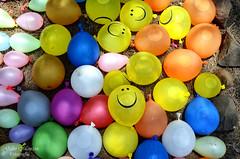 Sopladeras de Batalla (Gabo Monzn - www.gabomonzon.blogspot.com.es/) Tags: party color colour smile fight fiesta colores sonrisa globos diversin gabo batalla monzn sopladeras gabomonzn gabomonznfotografa