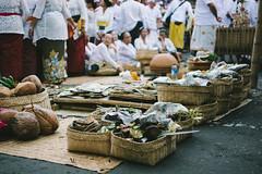 D71_6423 (eggysayoga) Tags: street bali film 35mm indonesia nikon asia king ceremony culture human f18 interest emperor klungkung puri cremation bada agung consort ngaben permaisuri sacret d7100 kremasi vsco pelebon