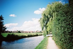 OT500 - Coventry Canal (johnnytakespictures) Tags: olympus trip500 film analogue automatic kodak colorplus200 expired warwickshire coventy canal river stream towpath walk summer sun sunshire nature natural clouds blue sky