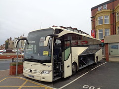 BU16HBB Alfa 94 wings open and ready for take off at the Queens Hotel in Blackpool (j.a.sanderson) Tags: bu16hbb alfa 94 wings open ready for take off queens hotel blackpool queenshotel alfaofeuxton fleet number mercedesbenz tourismo coach coaches 2016