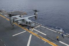 161006-N-JS726-102 (U.S. Pacific Fleet) Tags: navy marines amphibiousassault southchinasea bonhommerichard expeditionarystrikegroup underway deployment military