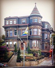 Nice Victorian in the Mission District in San Francisco, California. (Suitable 4 Framin') Tags: instagramapp square squareformat iphoneography uploaded:by=instagram hefe sanfrancisco sanfran sf california cali ca victorian victorianhouse housing