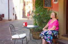 Italian Morning (Daniel R. Vargas) Tags: danielvargasphotos photography lady people europe travel italy summer