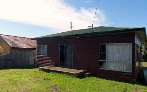32 Glanville Rd, Sussex Inlet NSW 2540