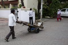 _MG_7607 (Dave Cavanagh Street) Tags: india mumbai cart lift illusion street streetphotography travel canon6d canon35mmf14l canon35mm