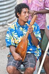 Double-stringed uke (Sven Rudolf Jan) Tags: tubusereia papuanewguinea music stringband ukulele jan hasselberg