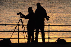 Photographing The Sunset (Alan1954) Tags: sunset silhouettes two men tripod essex sea brightlingsea 2016