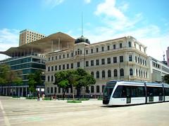 Museu de Arte do Rio (Gijlmar) Tags: brasil brazil brasilien brésil brasile brazilië riodejaneiro риодежанейро cidademaravilhosa ρίοντετζανέιρο américadosul américadelsur southamerica amériquedusud urban city tram vlt