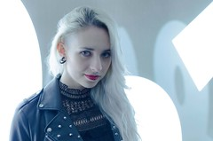 (Z-nas) Tags: belleza fashion moda retrato portait gothic emo blonde rubia color beauty gotica posado tfcd pose