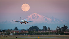 C-FFYT - Air Canada - Embraer ERJ-190 (bcavpics) Tags: canada vancouver plane airplane britishcolumbia aircraft aviation fullmoon yvr airliner mtbaker embraer aircanada erj190 cffyt supermoon bcpics