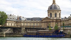 Place de l'Institut (bjornolsson) Tags: paris france seine boat frankrike pontdesarts institutdefrance