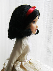 (Cossette...) Tags: white snow classic store outfit doll dress disney cossette 2011 liccabody