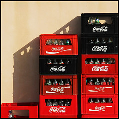 palma | cola (foto.phrend) Tags: red black square cafe shadows cola coke cocacola empties mallorca palma crates 500d