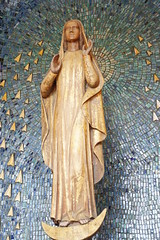Mary is the tender care of life (Totus2us.com) Tags: life love beauty truth catholic god faith mary christian holy simplicity virginmary pilgrimage jesuschrist somethingaboutmary motherofgod avemaria catolico ourlady virgenmaria blessedmother theotokos hailmary catholique onzelievevrouwe totustuus nuestrasenora saintevierge unserfrau totus2us