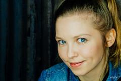 Maria (tinto) Tags: portrait girl face model maria fujixm1xm1workshopkatjakuhldresden