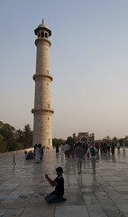 Taj Minaret (William J H Leonard) Tags: travel boy sunset people india building travelling architecture buildings asian asia day sundown dusk candid minaret indian islam tomb crowd agra tourist clear dome marble minar minarets islamic islamicarchitecture southasia southasian mughal uttarpradesh travelphotography mughalarchitecture asianarchitecture candidportraiture