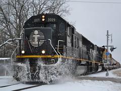 Dashing through the snow (Robby Gragg) Tags: ic wayne 1019 munger sd70