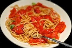 """Toshikoshi"" pasta (2/2) (Kym.) Tags: red food green cooking tomato colours nye thenetherlands pasta lazy garlic basil spaghetti quick kymskitchen wholegrain traditionnot toshikoshipasta"