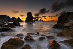 Caprichos del mar (Marce Alvarez.) Tags: mar paisaje atardeceres olas santander playas cantabria cantabrico acantilados liencres costaquebrada losurros nikkor1635