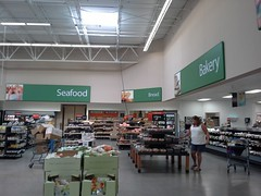Behold, a mid-2000's Wal-Mart grocery section (in 2014!) (l_dawg2000) Tags: retail vintage tn memphis tennessee walmart departmentstore wallyworld 2000s southwind discountstore labelscar discountcity