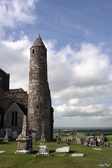 The Rock of Cashel (Lux) Tags: samsungnx2000 samsung nx2000 fogliluca lux76 nobrainstudio trip ontheroad wild ireland eire irlanda irish land green