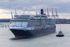 Queen Elizabeth departing from Southampton (Volker Brueck) Tags: cruise2016 cunnard queenelizabeth southampton unitedkingdom volkerbrueck